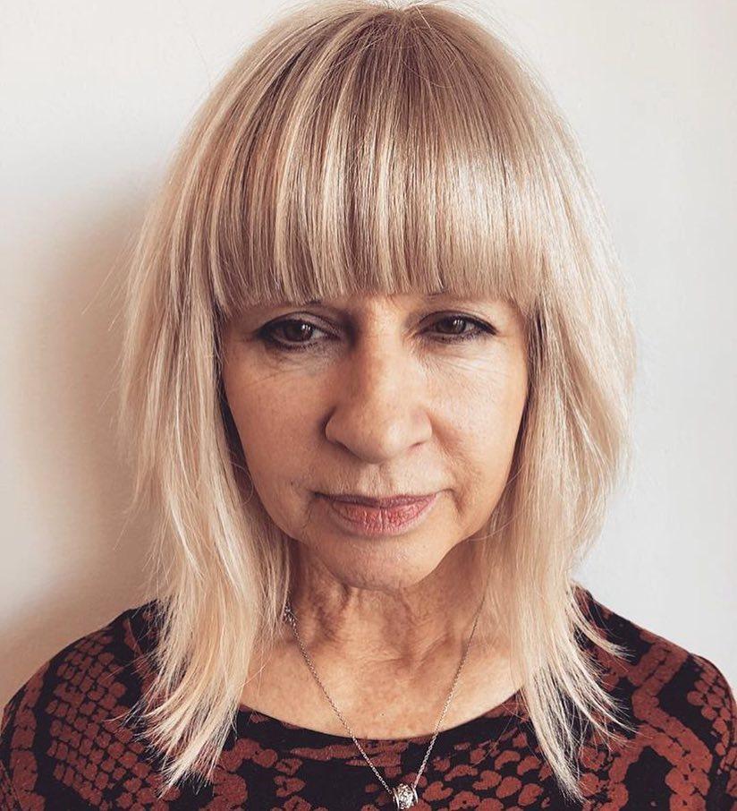 Piece-Y Straight Blonde Hairstyle