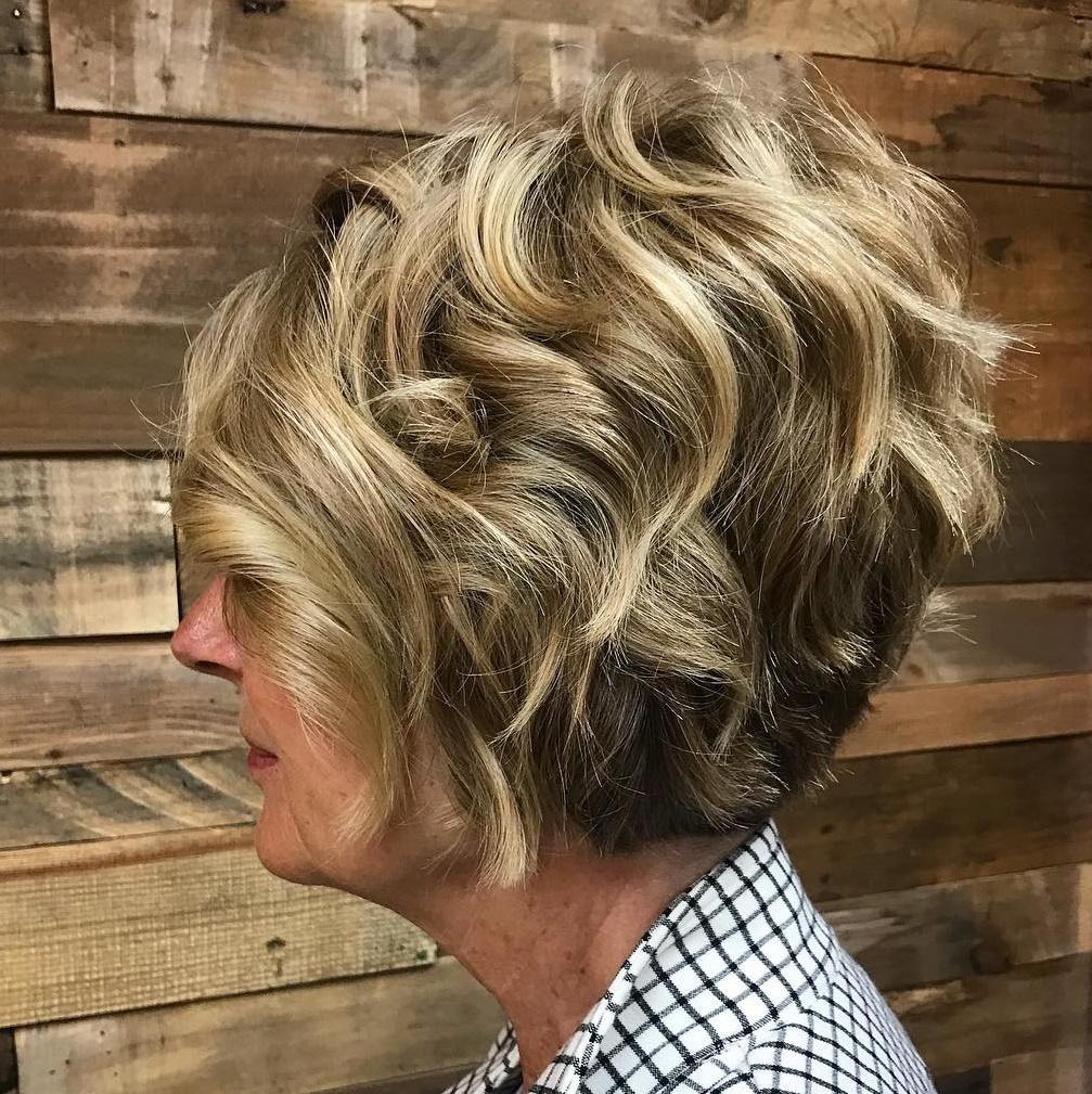 Short Stacked Wavy Bob Haircut