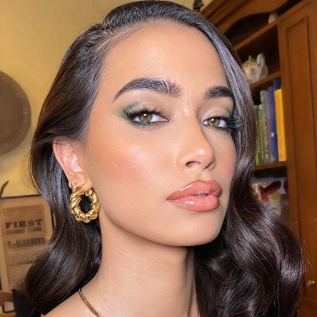 Green makeup look